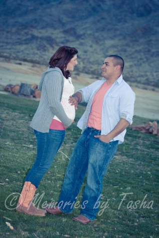 Twentynine Palms Photographer - Maternity Photography - Gender Announcement Photography-30