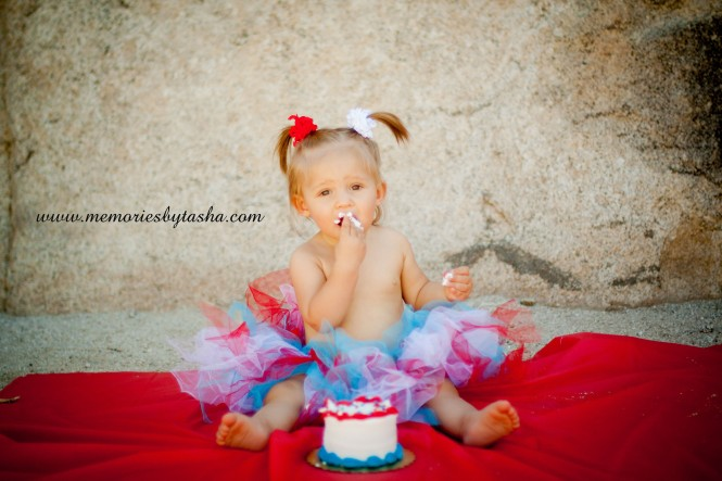 Twentynine Palms Photographer - Couples Photography - Family Photography - Children's Photography - Cake Smash-012