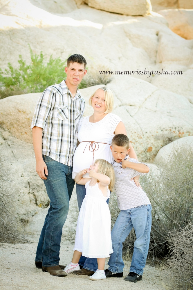 Twentynine Palms Photography - Maternity Sessions - Family Sessions 3